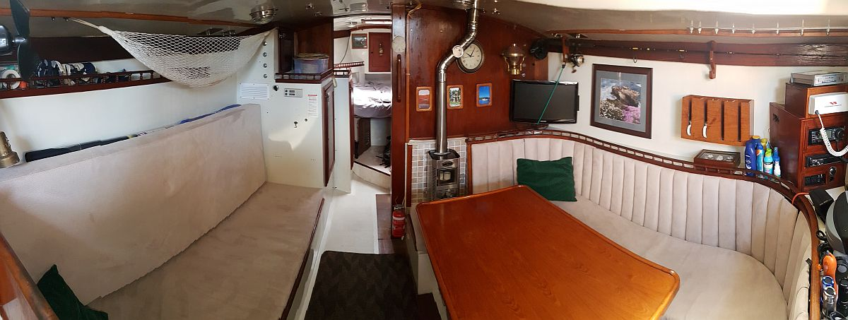 Green Panther Columbia 34MKII for sale Australia interior
